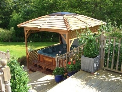 arctic-spas-hot-tub-in-nice-gazebo
